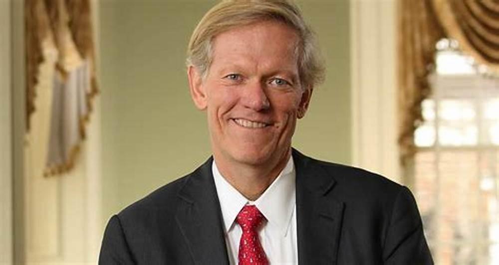 全球MBA教育走向多样化,不再是单一模式一统天下 -商学院大百科专访弗吉尼亚大学达顿商学院院长Scott Beardsley