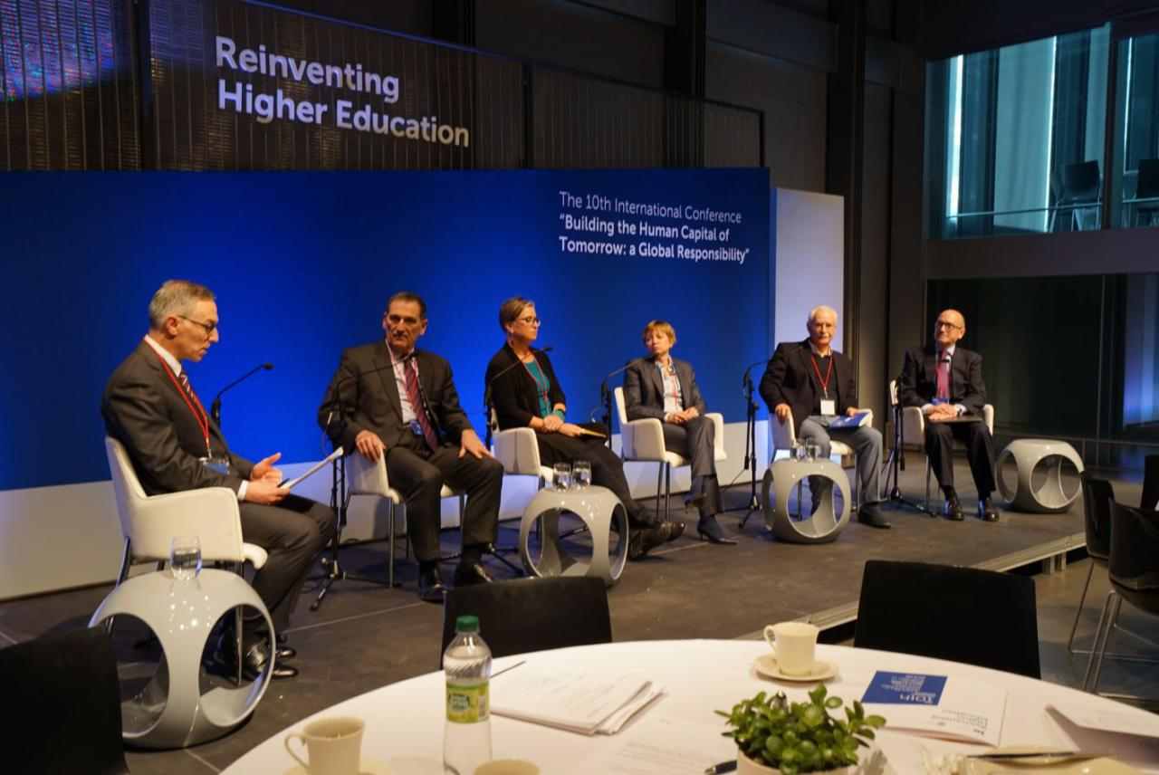 """为明天建立人力资本将是全球责任 - 第十届全球""""重塑高等教育""""论坛成功举办"""