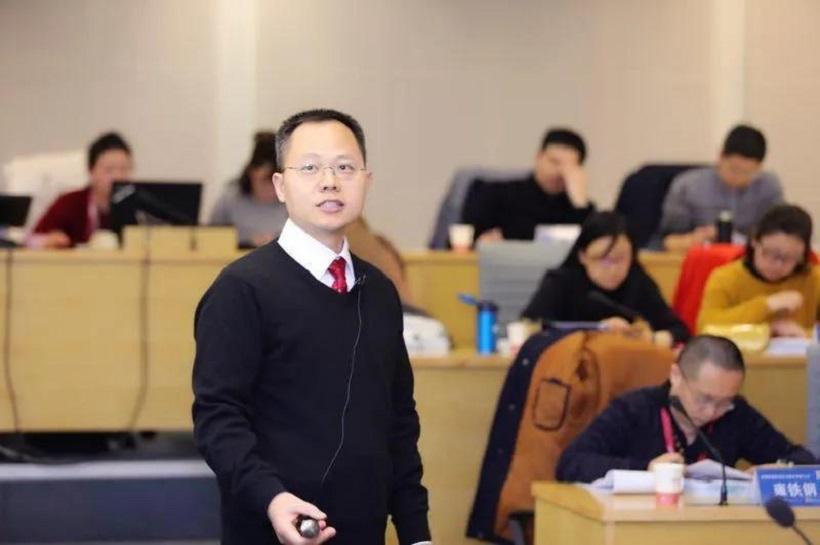 名师风采 | 上国会-港中大EMPAcc杨勇教授:深自砥砺,切磋琢磨中成就的学术匠人